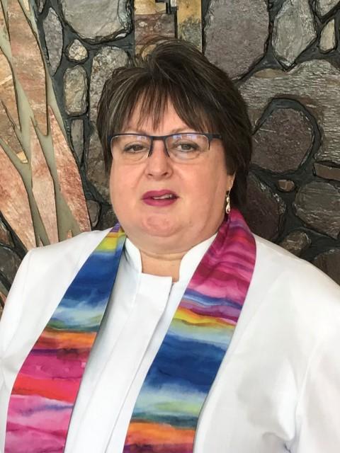 Pastor Suzanne
